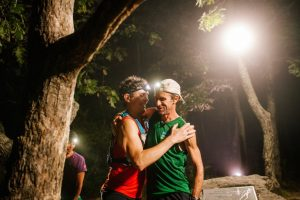 former-record-holder-scott-jurek-congratulating-meltzer-photocarl-rosenred-bull-content-pool